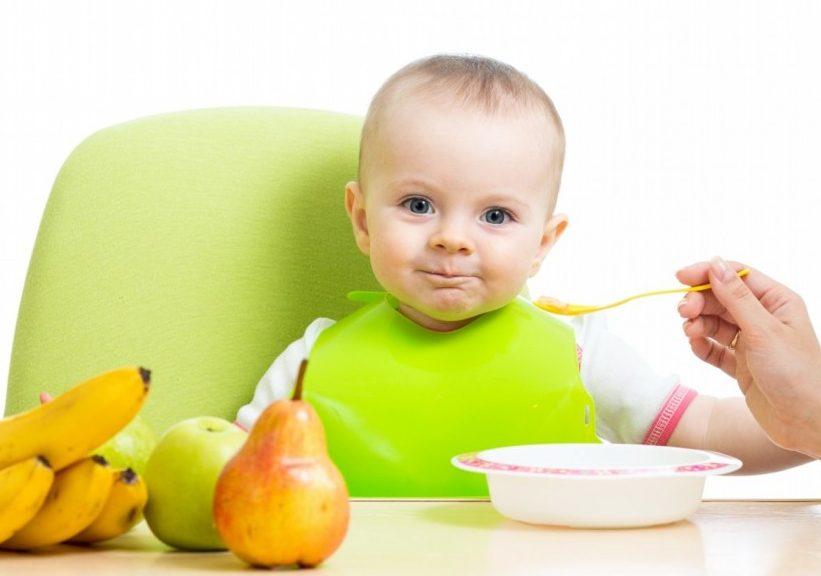 Прикорм недоношенному малышу.