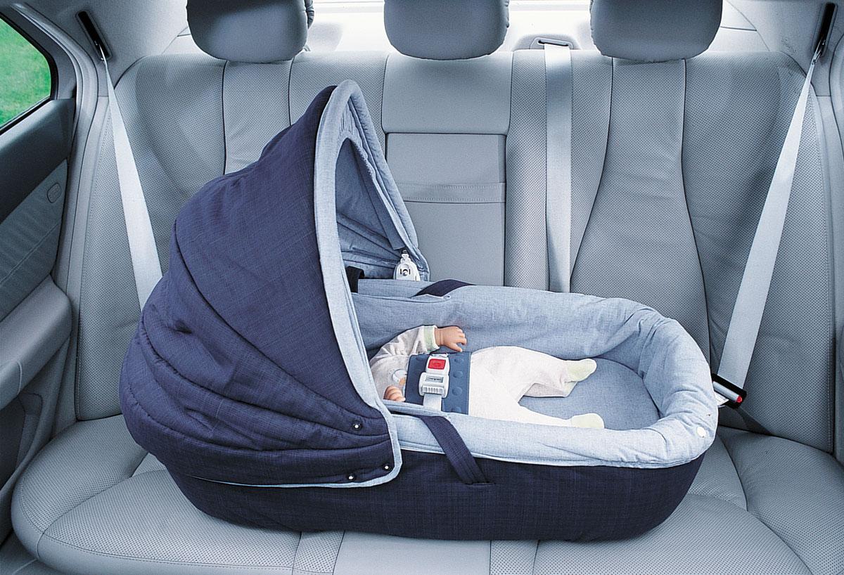 Перевозка недоношенного ребенка в автомобиле