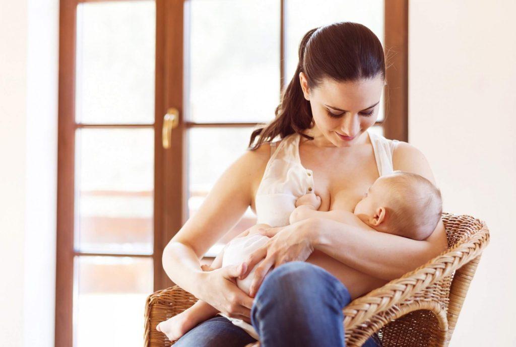 Аксессуары для грудного вскармливания. Накладки на соски, система докорма у груди