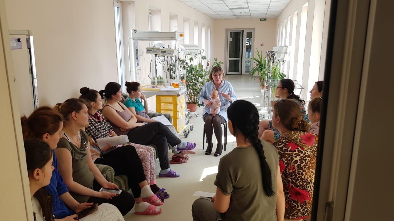 Занятия в Школах для родителей недоношенных детей продолжаются!