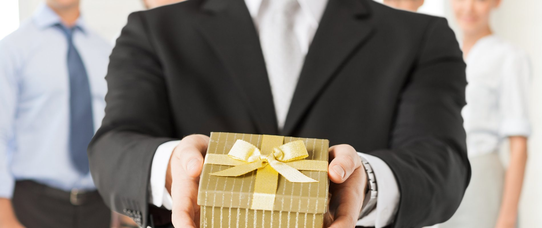 corporate-gifts-for-the-holidays.jpg